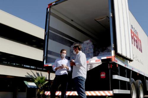 23.04.2020 - Corrente do Bem: Muffato doa cestas básicas ao Município - Foto: Emerson Dias