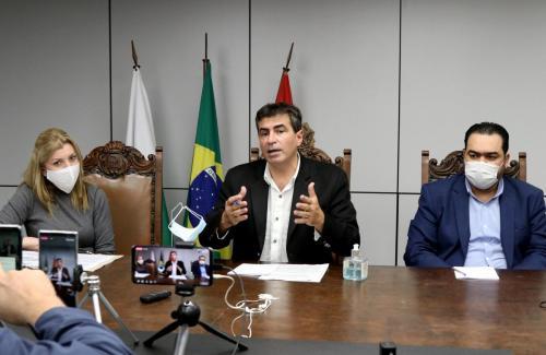 05.06.2020 - Coletiva Prefeitura cede 44 profissionais ao HU - Foto: Emerson Dias