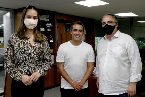 09.06.2020 - Jogador Jadson visita Gabinete - Foto: Emerson Dias