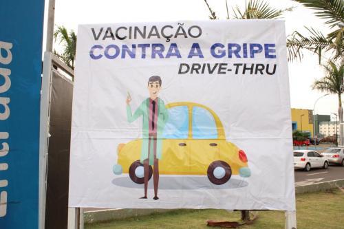 15.08.2020 - Drive Thru da Vacinação - Foto: Gustavo Tacaki / Sec. Saúde
