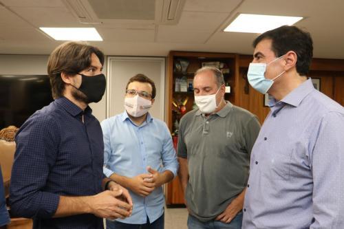Visita de dirigentes do LEC - Fotos Vivian Honorato