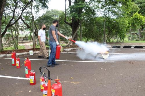 Curso de brigada de incêndio - Fotos Vivian Honorato