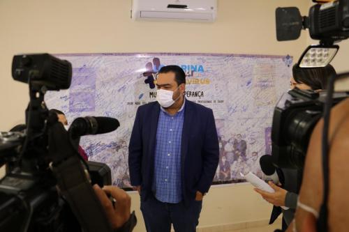 23.06.2021 Prefeito recebe a primeira dose da vacina contra a Covid-19 - Fotos Vivian Honorato